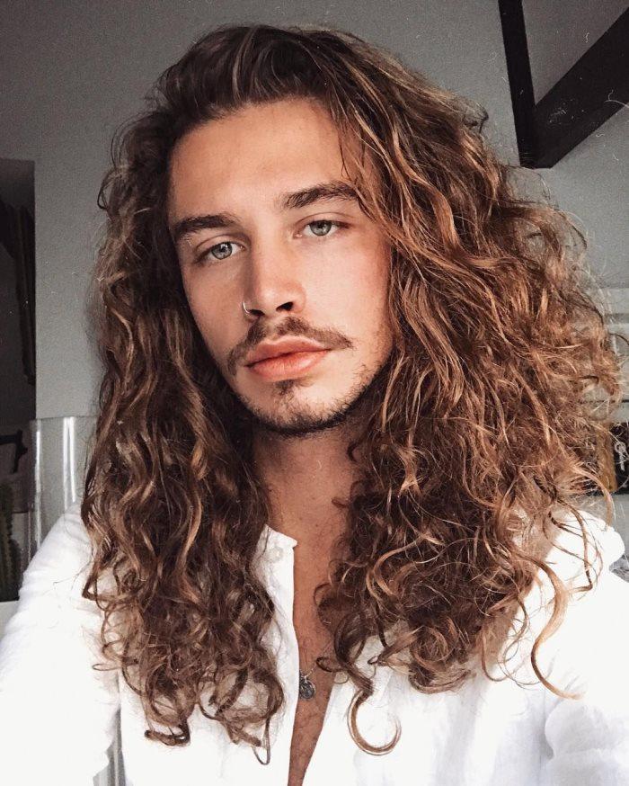 spesso 50 Tagli di capelli lunghi per uomo: sempre di moda, mai banali SI57