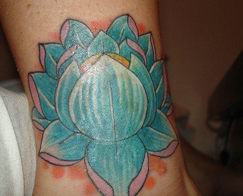 103 disegni e tatuaggi di fiori di loto. Black Bedroom Furniture Sets. Home Design Ideas
