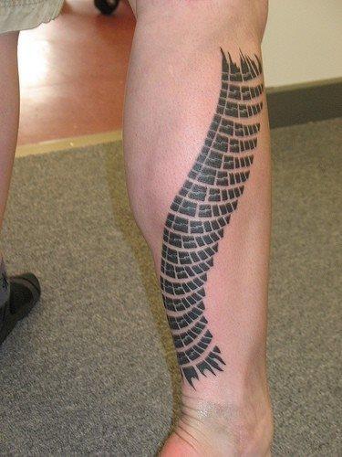 tatuaggio polpaccio gamba 1010