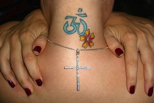 Tatuaggi per la nuca dietro l ore o sul collo