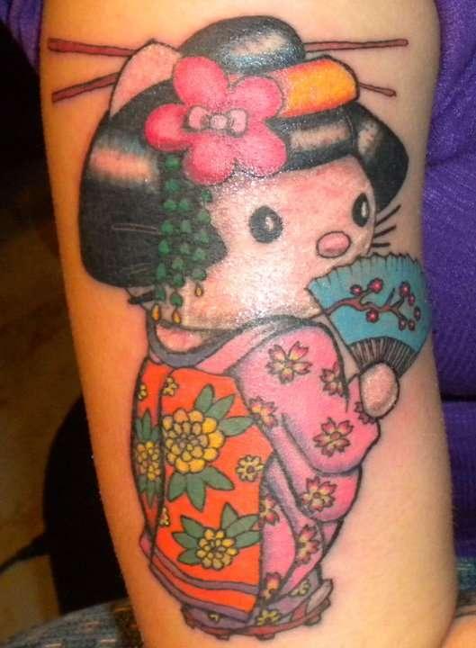 48 tatuaggi di geishe di stile pin up for Tatuaggi donne pin up