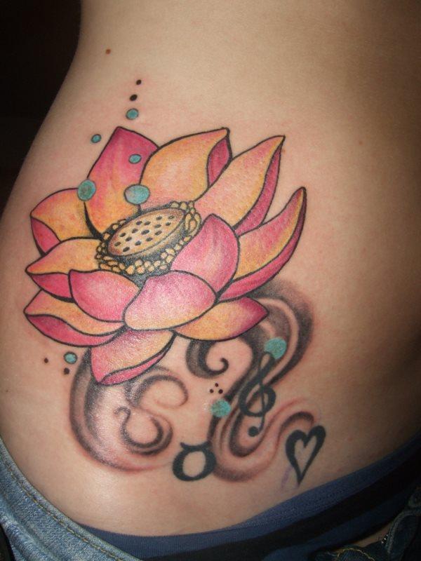80 tatuaggi di bei fiori galleria di disegni for Bellissimi disegni di casa dentro e fuori